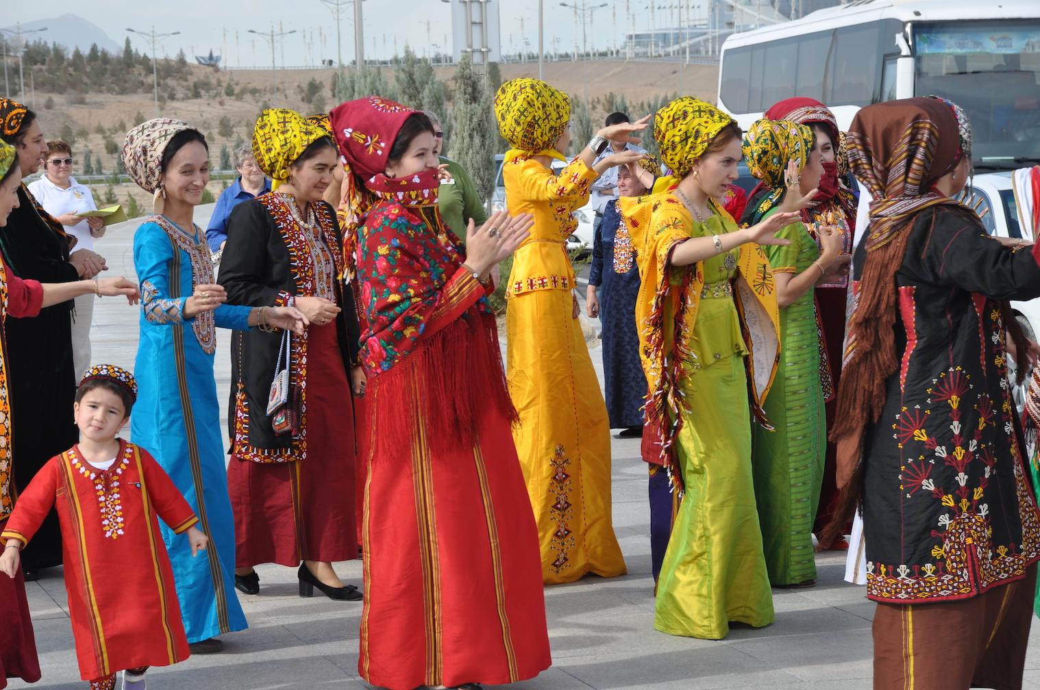 Silk Road Caspian Turkmenistan dancers.c