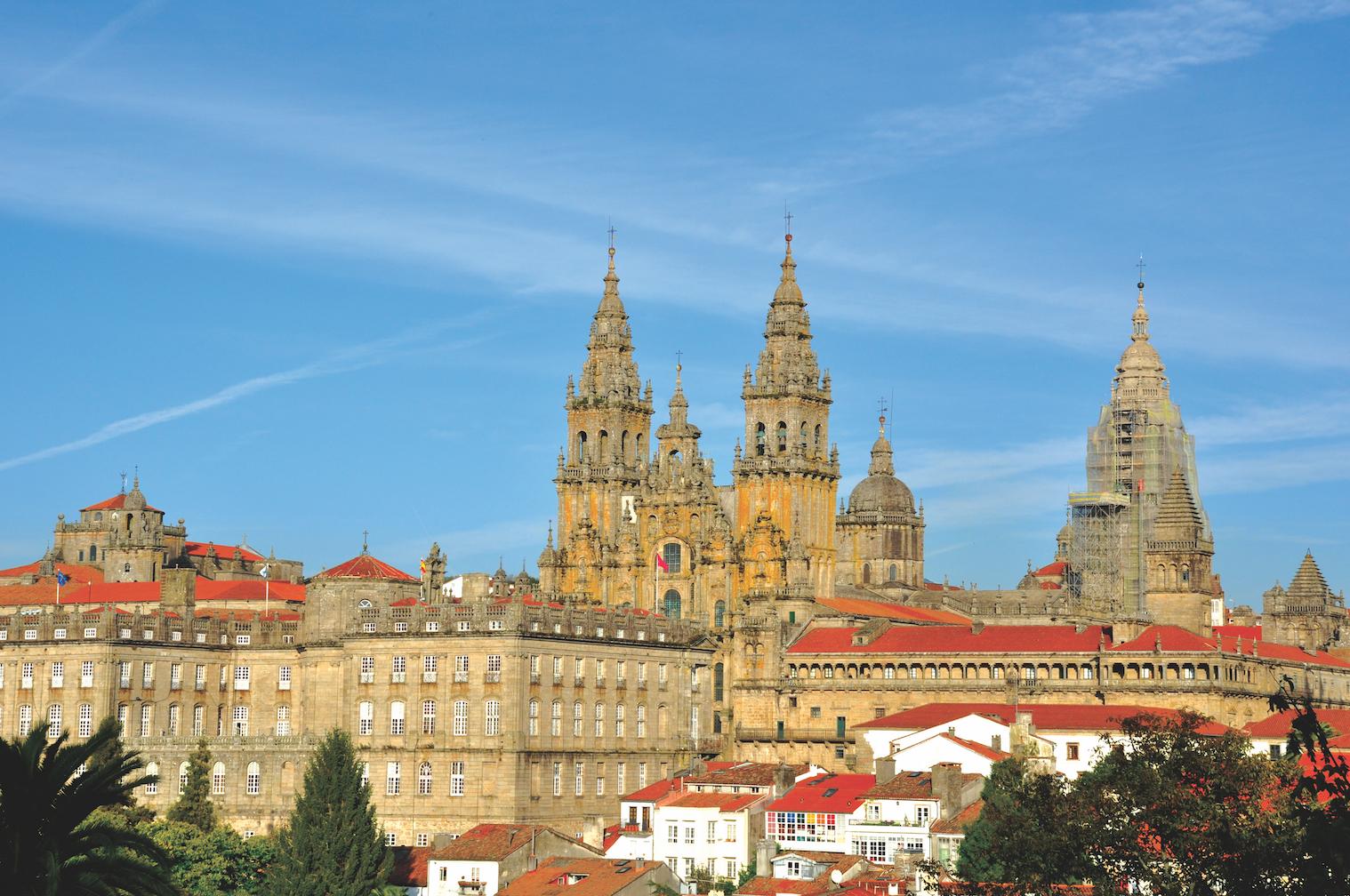 Santiago cathedral on the El Transcantábrico Gran Lujo: Santiago-San Sebastián Luxury Train journey