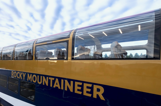 RM GoldLeaf rail car_exterior_Photo credit_Vincent L Chan