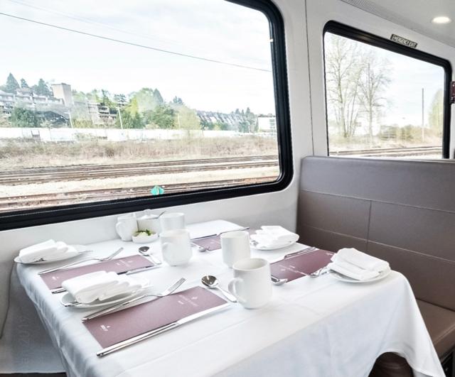 RM GoldLeaf rail car_lower level_Photo credit_Vincent L Chan