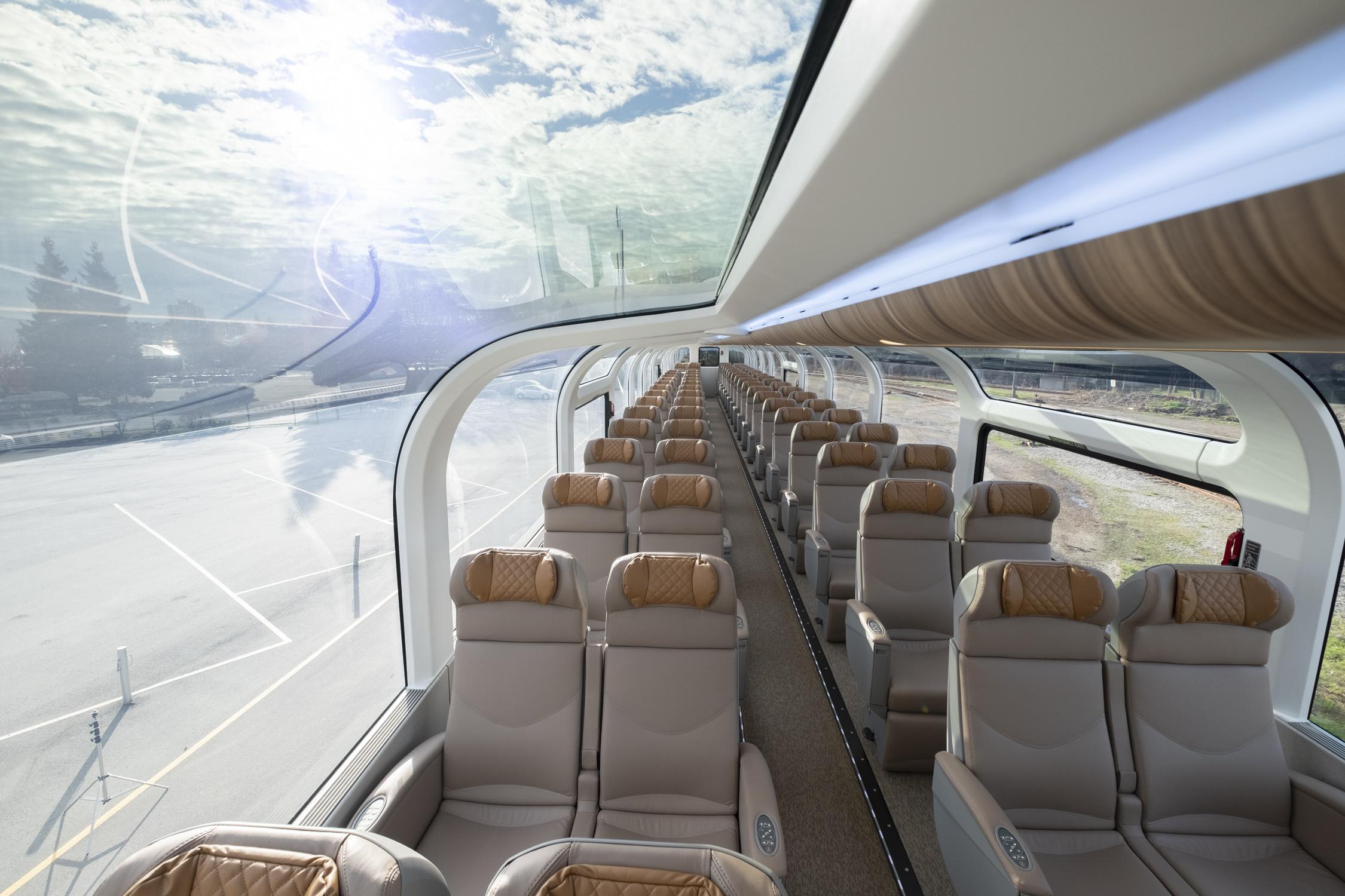 RM GoldLeaf rail car_upper level_Photo credit_Vincent L Chan