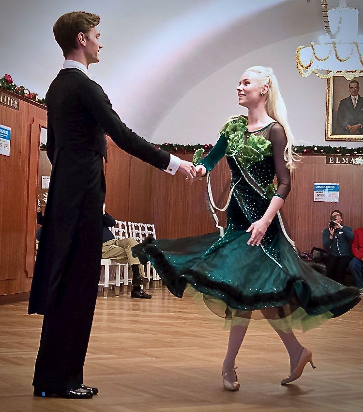 Waltz lesson (1)