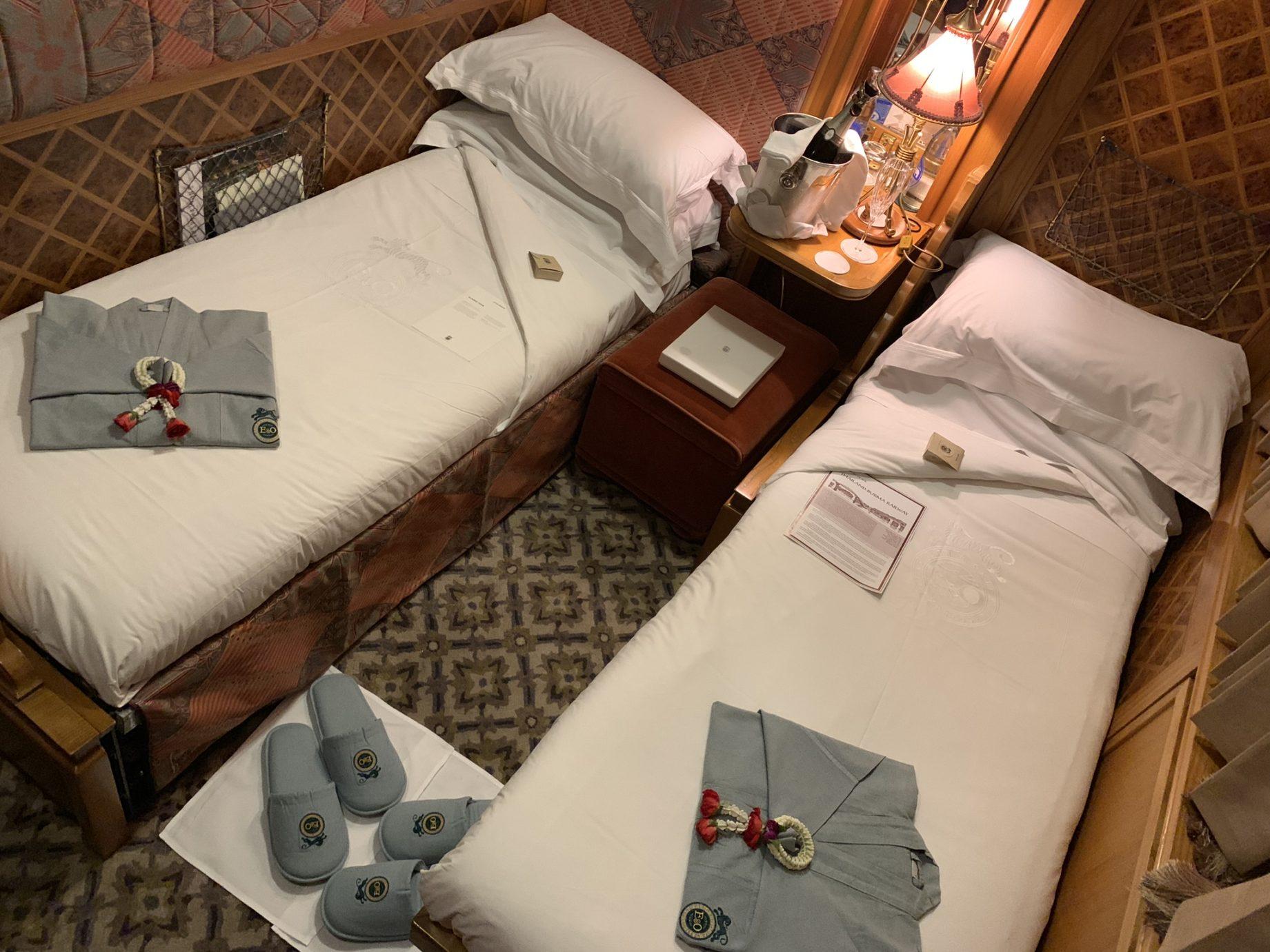 eastern & oriental twin beds cabin