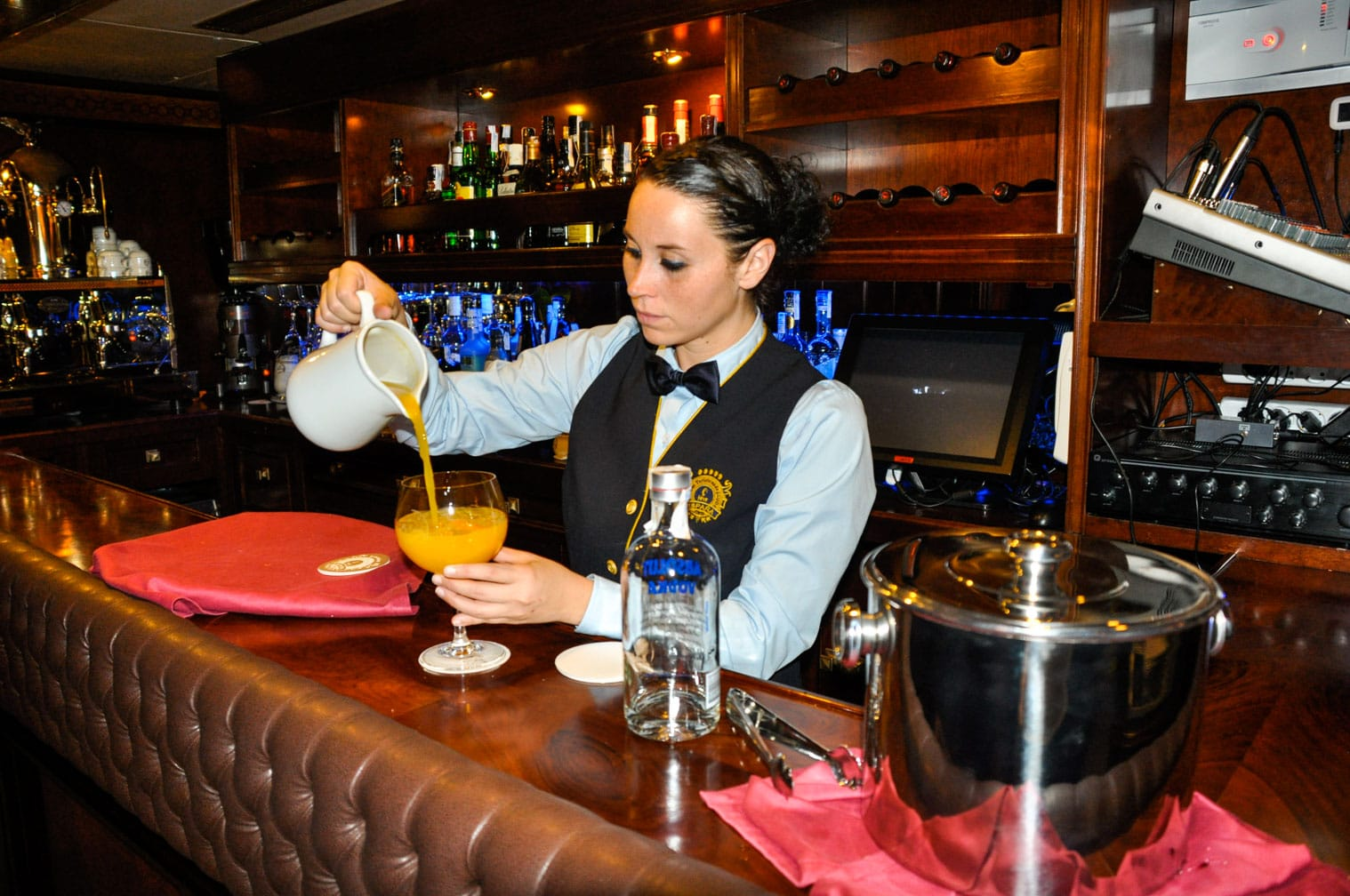 Bartender serving drinks on the Al Andalus train
