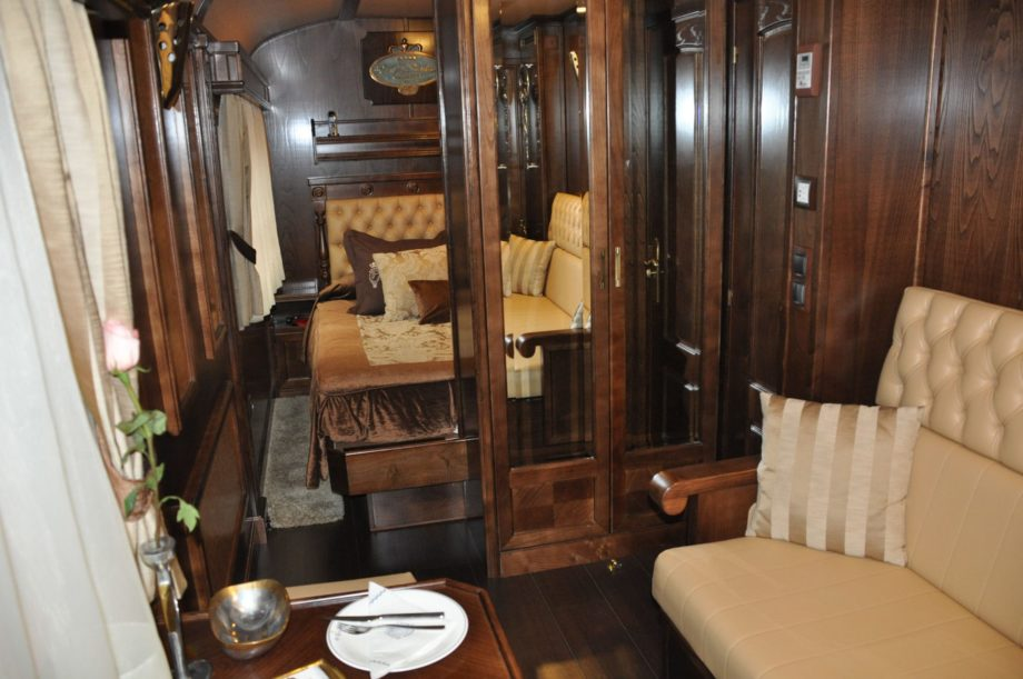 Double bedroom on the El Transcantábrico Gran Lujo train