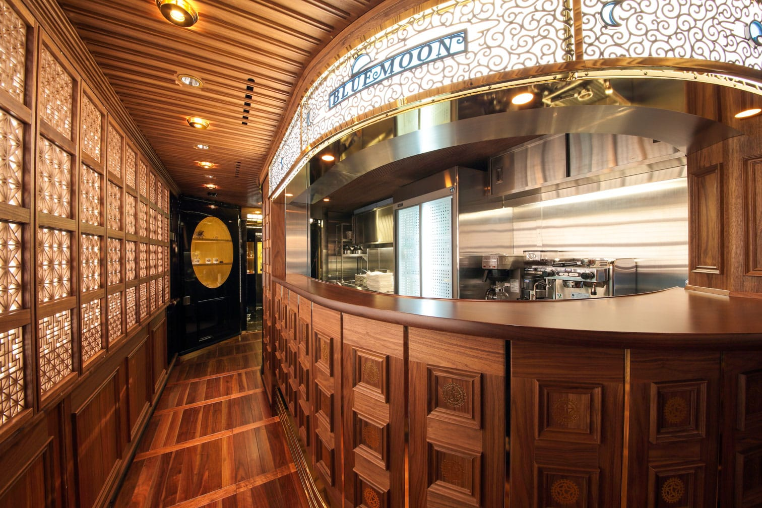 Bar area on the Kyushu Seven Stars train