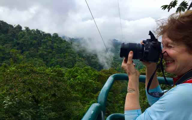 Eleanor photographs the Ecuadorian cloud forest from the